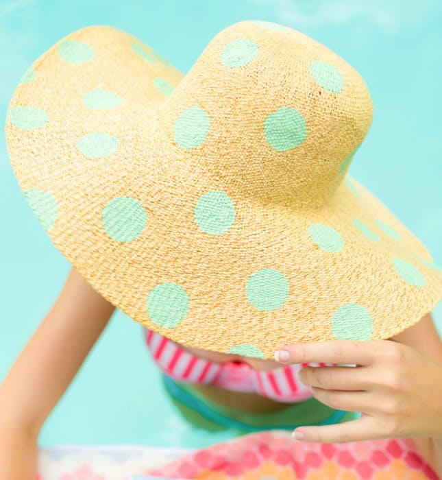 10 DIY Tutorials to Make the Perfect Summer Hat For 2018