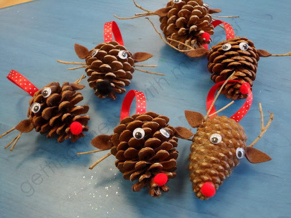 30 Festive Pinecone Decorating Ideas for Holiday